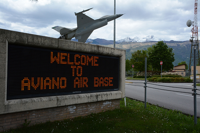 724th AMS says 'Benvenuti!' to the 512 AW's 'port dawgs'